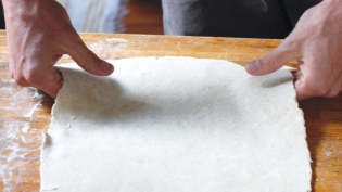 Shaping Pie Dough